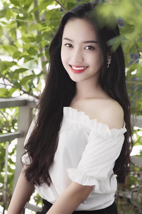 Thúy Vy,cô hot girl Cà Mau, người tình củaPhan Thành.(Ảnh: Internet)