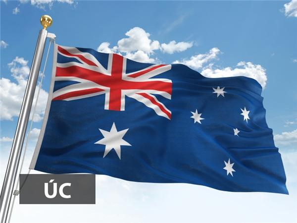 Quốc kỳ Úccó nền màu lam với Hiệu kỳ Liên minh tại góc kéo cờ trên hiện thân cho quốc kỳ Anh.Ngôi sao lớn bảy cánhtại góc kéo cờ dướitượng trưng cho liên bang và năm ngôi sao còn lại đại diện chochòm sao Thập Tự đặc trưng cho Nam bán cầu.
