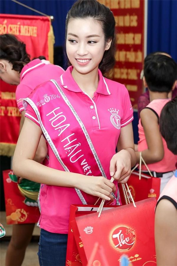 Tân hoa hậu Đỗ Mỹ Linh nói gì về việc thiếu điểm nhưng vẫn đỗ đại học? - Tin sao Viet - Tin tuc sao Viet - Scandal sao Viet - Tin tuc cua Sao - Tin cua Sao