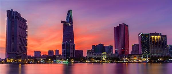 Ảnh chụptòa nhà Bitexco Sài Gòn bằng kĩ thuật Panorama. (Ảnh: internet)
