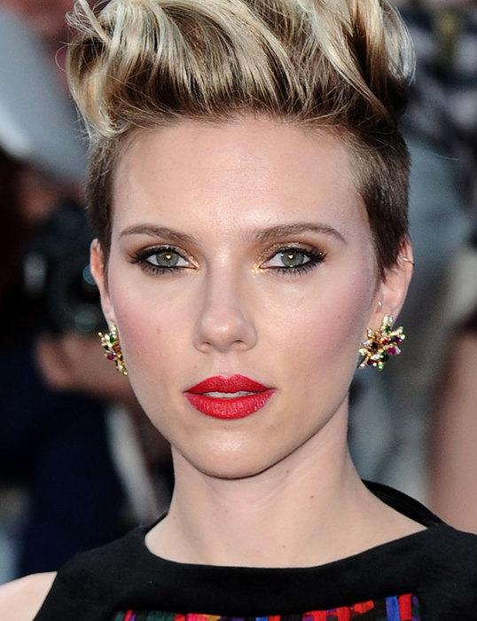 Scarlet Johansson có khuôn mặt đạt 89,92 % so với tỉ lệ chuẩn.
