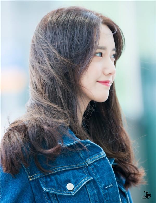 Một số hình ảnh của Yoona tại sân bay.