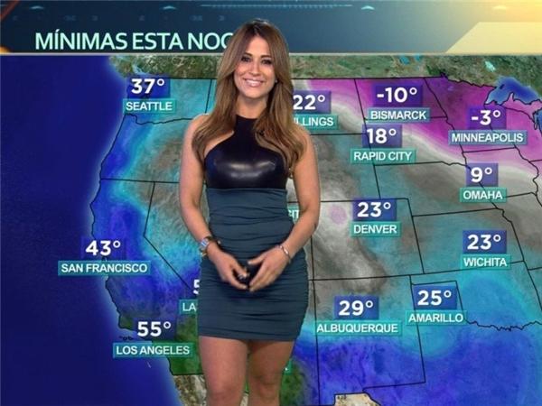 Jackie Guerrido là MC dự báo thời tiết của đài truyền hình Puerto Rican. Cô năm nay đã 43 tuổi nhưng vẫn sở hữu đường cong rất nóng bỏng.