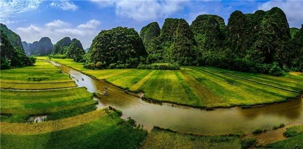 15. Tam Cốc - Nguyễn Tuấn Hải
