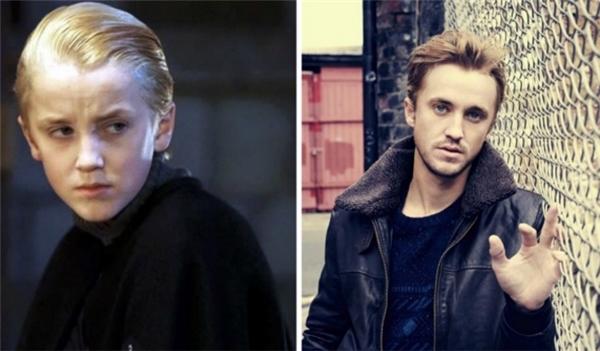 """Công tử Draco Malfoy bảnh bao từng khiến khán giả nữ """"điêu đứng"""" với vẻ đẹp trai thư sinh trong giai đoạn tuổi teen, tuy nhiên khi trưởng thành nhan sắc của cậu lại có vẻ già hơn so với các bạn đồng trang lứa."""