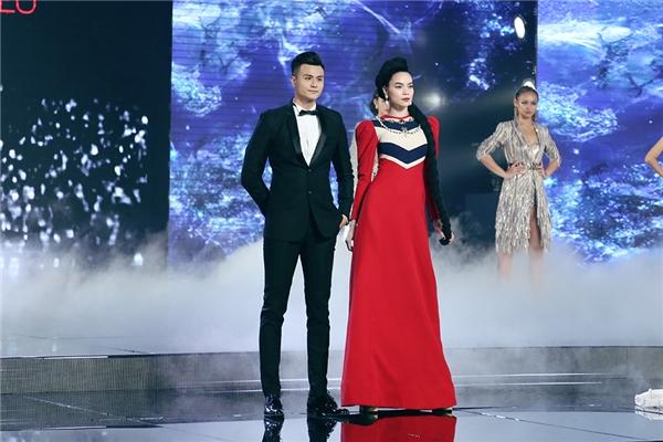 Trong suốt 12 tuần đồng hành với các thí sinh cũng như 3 huấn luyện viên qua vai trò host The Face Vietnam 2016, Vĩnh Thụy đã có được cái nhìn khách quan bởi anh là người theo sát nhưng lại không vướng bận việc quyết định loại ai, giữ ai.