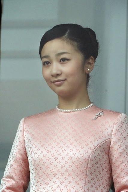 Xinh đẹp, tài giỏi, thân thiệnKako là nàng công chúa được yêu mến nhất đất nước mặt trời mọc.