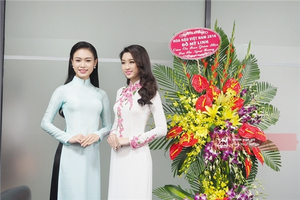 Hoa hậu Mỹ Linh diện áo dài chứng minh nhan sắc