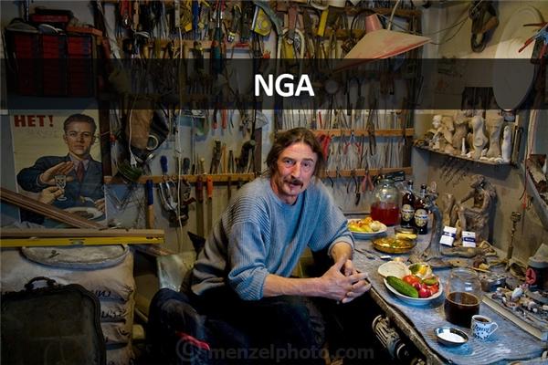 Vyacheslav Slava Grankovskiy (53 tuổi), nhà sưu tập đồ cổ ở Shlisselburg, gần St. Petersburg, Nga: 3.900 calo mỗi ngày