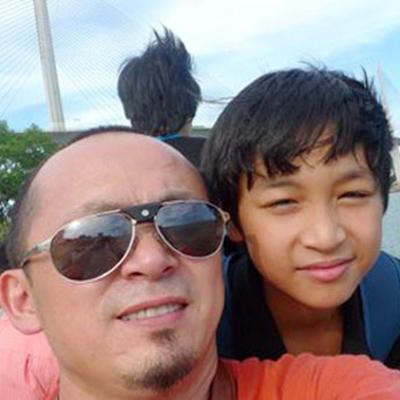 """Trong tâm thư, ông bố Quốc Trung khuyên con trai phải mạnh mẽ, tự tin: """"Hãy tin tưởng và đừng băn khoăn vào sự lựa chọn của mình"""". - Tin sao Viet - Tin tuc sao Viet - Scandal sao Viet - Tin tuc cua Sao - Tin cua Sao"""