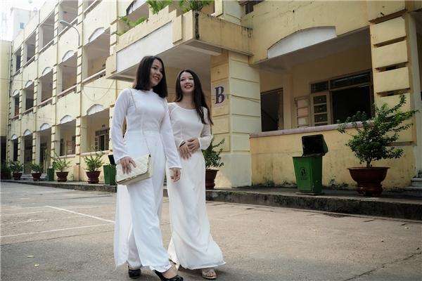 Tà áo trắng ngây thơ và hồn nhiên. - Tin sao Viet - Tin tuc sao Viet - Scandal sao Viet - Tin tuc cua Sao - Tin cua Sao