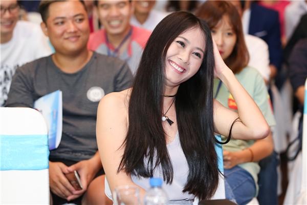 Vì đang bậnlưu diễn ở Mỹ nên nam diễn viên Gia Bảo đãkhông thể tháp tùng cùng vợ làdiễn viên Thanh Hiềnđếntham dự chương trình.