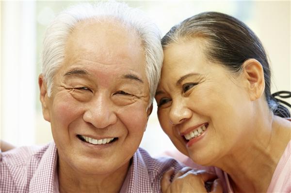 Bất kể tình hình tài chính của cha mẹ bạn như thế nào, bạn vẫn nên thường xuyên trích ra một khoản để phụng dưỡng cha mẹ.