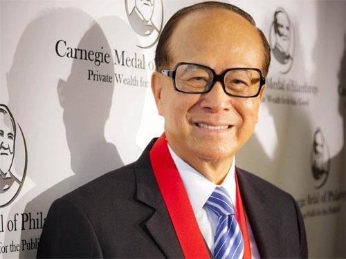 Tỷ phú Lý Gia Thành - người đàn ông giàu nhất Châu Á.