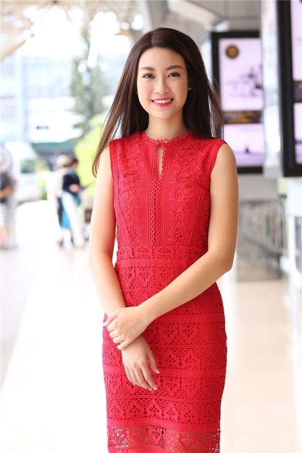 Phạm Hương, Đỗ Mỹ Linh đẹp hút hồn với sắc trắng, đỏ