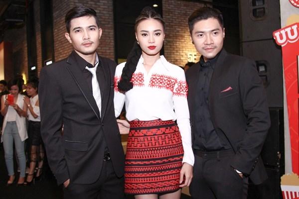 Bộ ba diễn viên chính của Găng Tay Đỏ gồm: Quang Sự (bên trái), Lan Ngọc và Trần Tuấn Lương (bên phải). - Tin sao Viet - Tin tuc sao Viet - Scandal sao Viet - Tin tuc cua Sao - Tin cua Sao