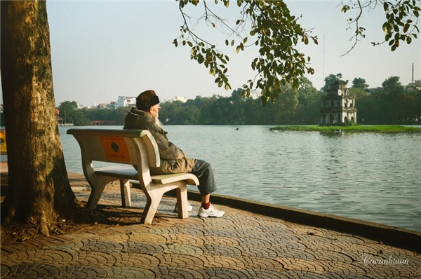 Lặng nhìn mùa thu. Ảnh: Cao Anh Tuấn