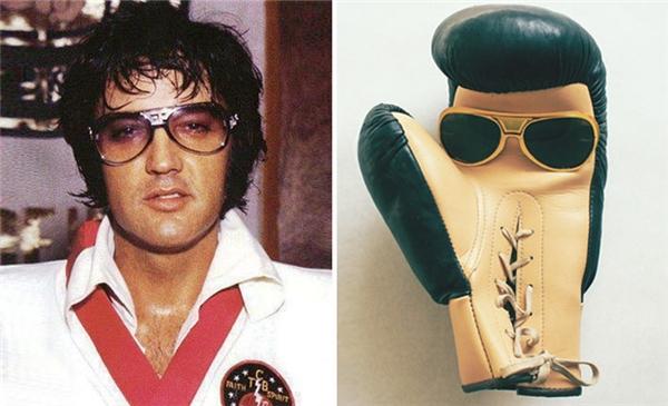 Elvis Presley có lẽ không thể ngờ một chiếc găng tay đấm bốc cũng có thể ngầu không khác mình là mấy.