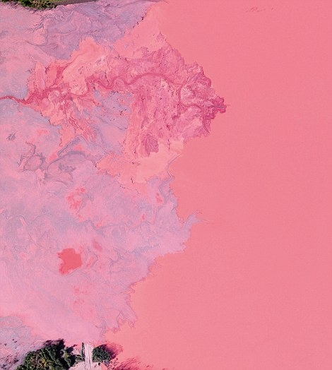 Đây là hình ảnhchất thải của một khu khai thác mỏ quặng sắt ở Michiganđược thải vào lưu vực sôngGribbens, gần làngEmpire.