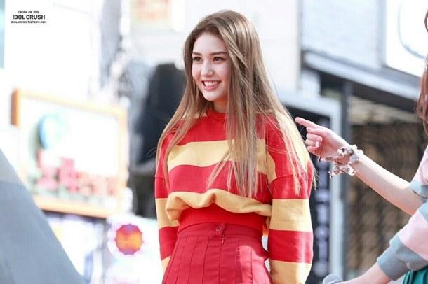Vẻ đẹp của Somi lấn át hầu hết các thực tập sinh cùng thời.