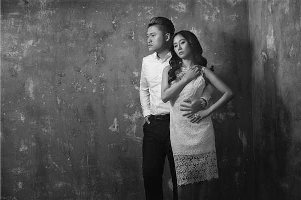 """Vợ chồng Vũ Duy Khánh """"trốn con"""" đi chụp ảnh kỷ niệm"""