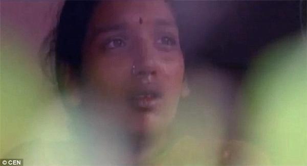 Thực tế,ở các vùngnông thôn Ấn Độvẫn còn giữ suy nghĩ cổ hủ rằng con trai quan trọng và có giá trị hơn con gái.