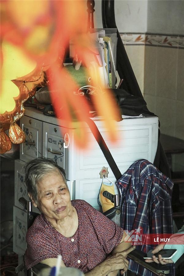 Theo bà Hai chia sẻ, trước đây, nghề lồng đèn đủ để nuôi sống cả gia đình.