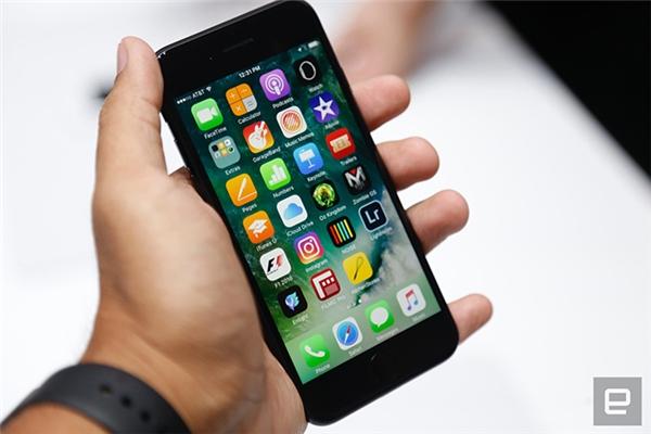 Ảnh rõ nét nhất trên tay siêu phẩm iPhone 7/ 7 Plus