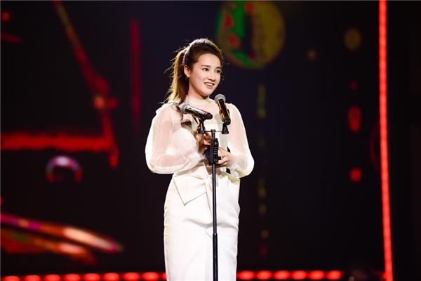 Trước đó 1 ngày, Nhã Phương cũng xuất sắc giành giải thưởngNữ diễn viên ấn tượng tại VTV Awards.
