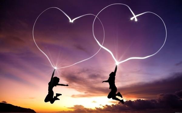 Tình yêu sét đánh thường xảy ra khi một người đàn ông gặp người phụ nữ trong những tình huống nguy hiểm hoặc khó khăn. (Ảnh minh hoạ)