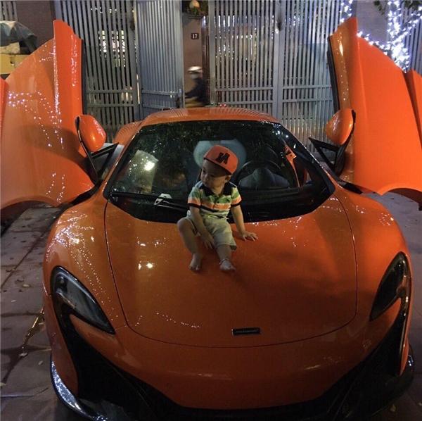 Thiếu gia Bạch Dươngthường xuyên đưa vợ con đi chơi bằng xế khủngMcLaren 650S Spider. - Tin sao Viet - Tin tuc sao Viet - Scandal sao Viet - Tin tuc cua Sao - Tin cua Sao