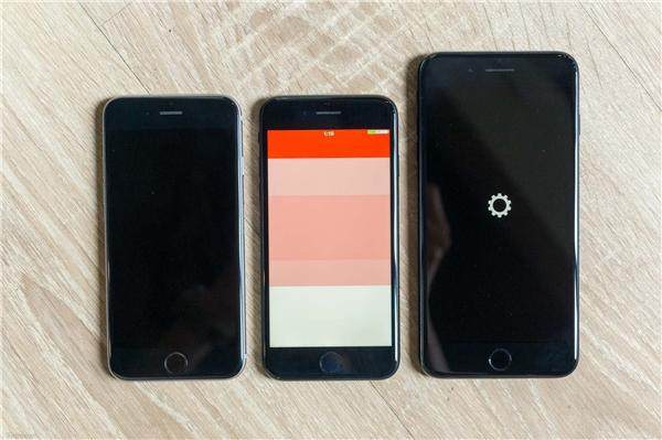 Cả 3 máy đều có mặt trước màu đen. (Ảnh: tinhte)