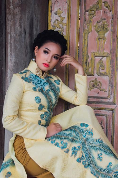 Vợ Duy Nhân cho biếtchỉ nhận lời làm mẫu ảnh vì yêu quý nhà thiết kế Khánh Shyna. - Tin sao Viet - Tin tuc sao Viet - Scandal sao Viet - Tin tuc cua Sao - Tin cua Sao