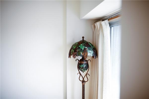 Với ít đồ đạc như thế, bạn sẽ nhìn ra sự hấp dẫn của ngôi nhà.(Ảnh: Bright Side)