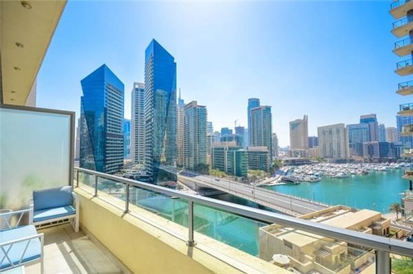 10. Căn Penthouse 6 phòng ngủ ở Dubai Marina, giá gần 15 triệu USD: Tòa chung cư Elite ở Dubai Marina có diện tích sàn rộng hơn 3800m2 và nằm trên cùng là căn penthouse tuyệt đẹp giá gần 15 triệu USD.