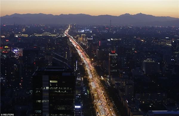 """Dù hệ thống giao thông cực kì phát triển song Trung Quốc không thể thoát khỏi """"vấn nạn"""" kẹt xe."""