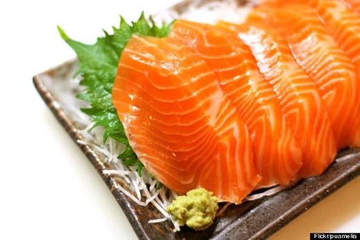 Chế độ ăn uống nhiều cá cũng được chứng minh giúp cải thiện tâm trạng và ngăn ngừa một số loại ung thư, viêm nhiễm.