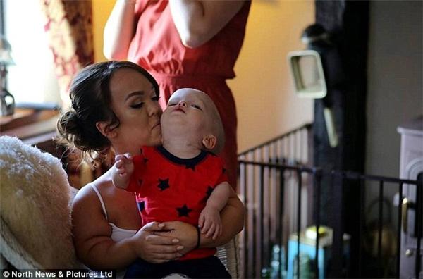 Cặp đôi nhất quyết giữ lại đứa bé dù được khuyên là nên bỏ vì những biến chứng sức khỏe có thể xảy ra.