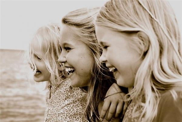 Ba đứa mình là ba nàng công chúa Disney đấy.