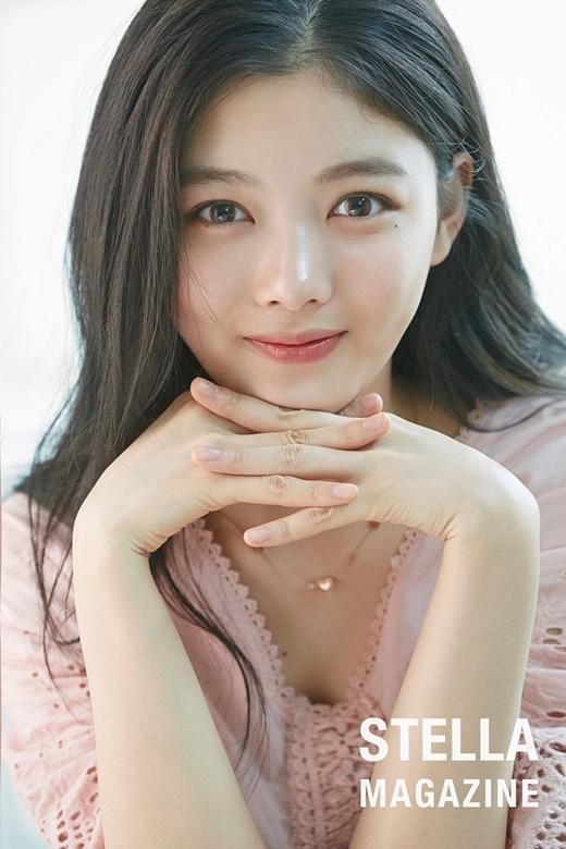 Một đôi môi hồng hào sẽ khiến cho các cô gái thêm tự tin.