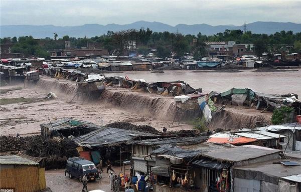 Lũ lụt nghiêm trọng ở Pakistan vào tháng 4 vừa qua khiến ít nhất 27 người thiệt mạng và 36 người bị thương.