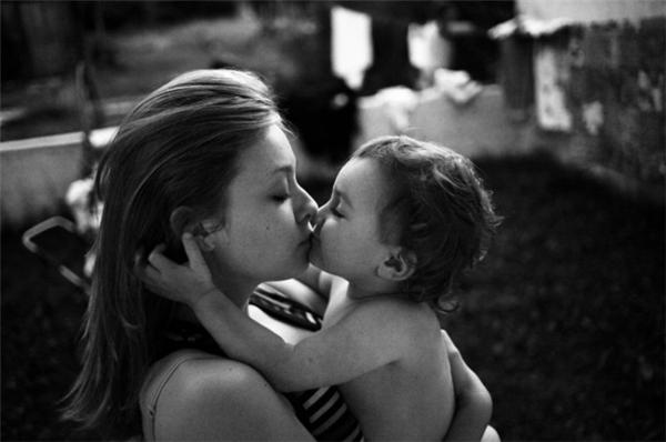 Nụ hôn ngọt ngào nhất, dịu dàng nhất thế gian.
