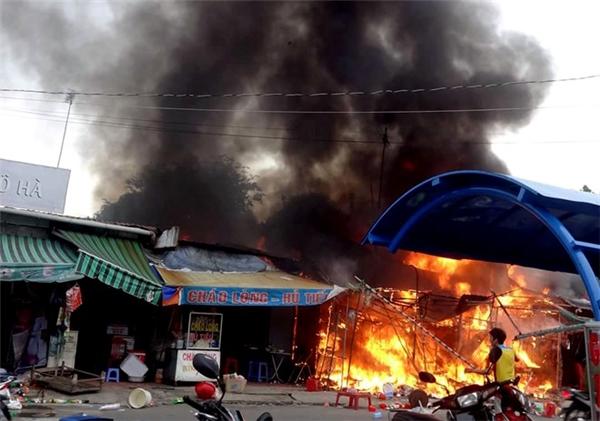 Vụ hỏa hoạn xảy ra bất ngờ khiến nhiều người không kịp xử lí. (Ảnh: Internet)