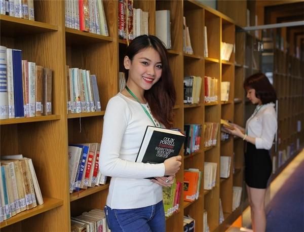 Du hành vào thế giới ngôn từ cùng sinh viên Văn học.