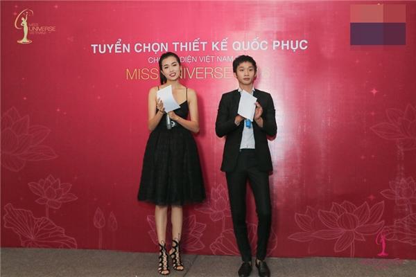 Phạm Hương, Lệ Hằng thích thú tuyển chọn quốc phục cho Miss Universe