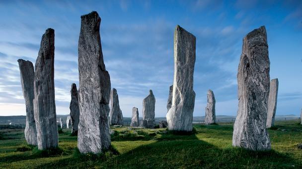 Những viên đá ở Scotland cũng chịu lời nguyền tương tự.