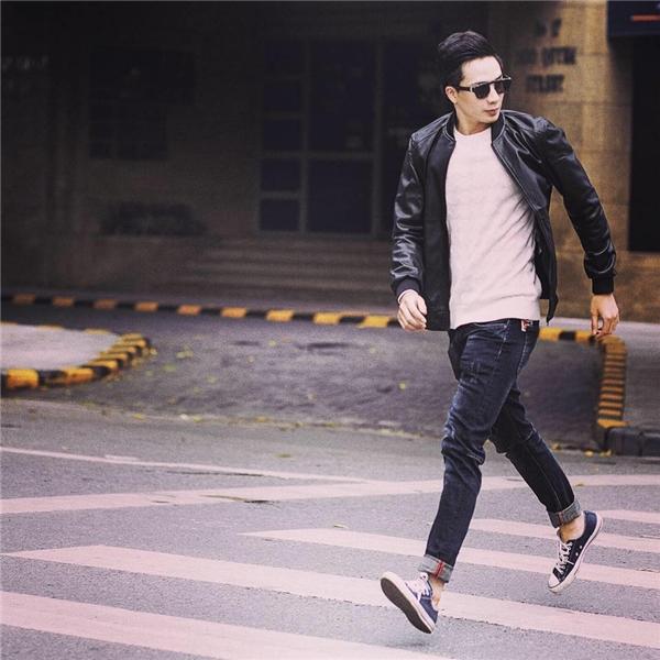 Nam diễn viên tên đầy đủ là Lưu Hạo Đông,sinh năm 1992, hiện là người mẫu tự do tại Hà Nội. - Tin sao Viet - Tin tuc sao Viet - Scandal sao Viet - Tin tuc cua Sao - Tin cua Sao