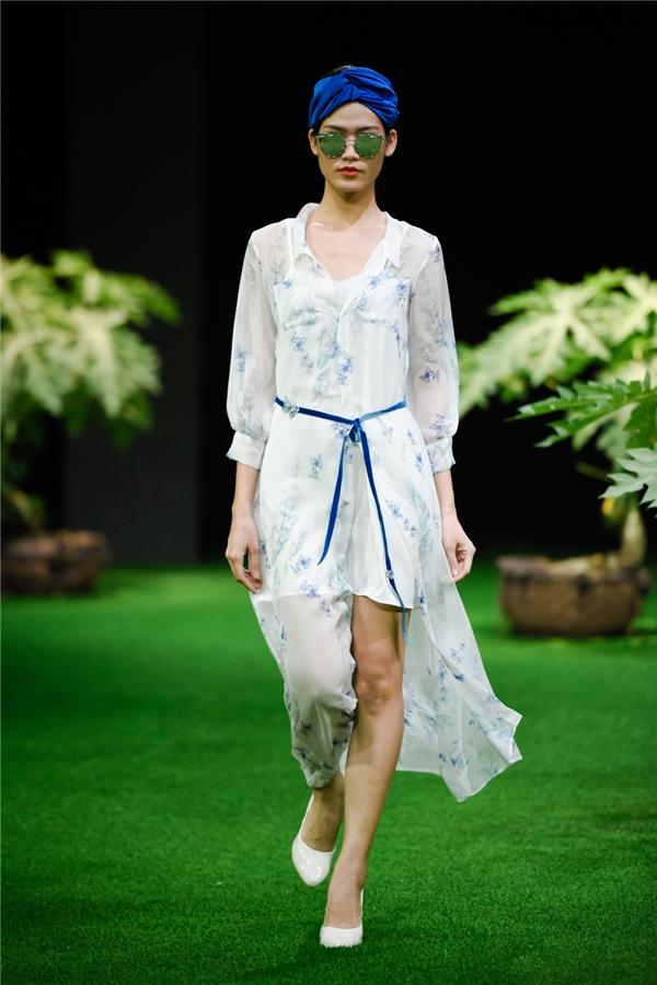 Ngọc Hân thức trắng đêm ra mắt bộ sưu tập váy áo nữ tính