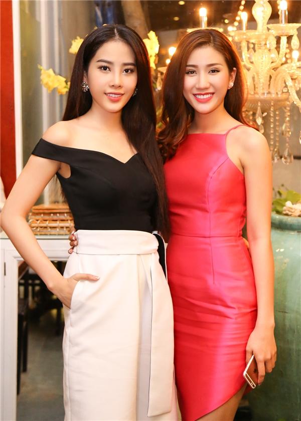 Theo kế hoạch, Bảo Như sẽ lên đường vào chiều ngày 3/10 và bắt đầu tham gia các hoạt động chính thức của Miss Intercontinental 2016 vào ngày 4/10. Còn Nam Em sẽ lên đường sang Philippines tham gia Miss Earth vào ngày 6/10 tới.