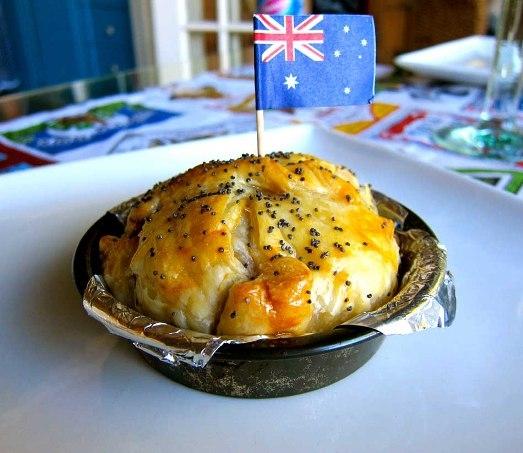 Được làm từ nấm đen, tôm hùm, 23 karat vàng lá, phục vụ kèm 2 chai Grange Reserve, bánh Posh được xem là miếng bánh đắt nhất thế giới với giá 9.484 đô (211 triệu VND) và chỉ được bán tại khách sạn The Lord Dudley, Úc.